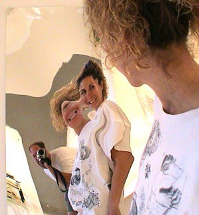 "z      47"" x 47"" - Mirror roll"