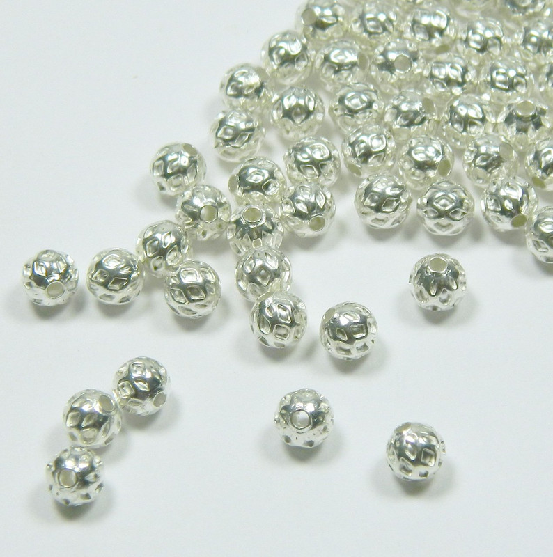 100 Shiny Silver Plated Brass Beads 5mm Round with Weave Spacer Metal 3267MB