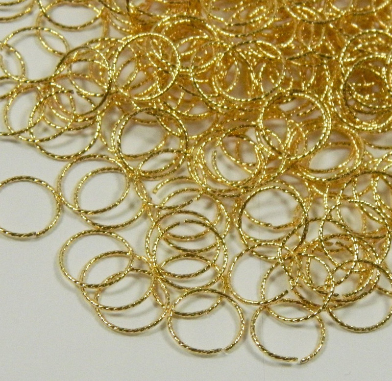 100 Jump Rings, Gold-plated Brass, 10mm Twisted Round, 20 Gauge Open