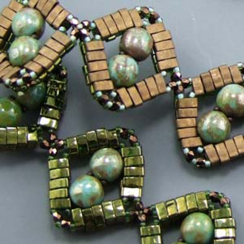 DIAMONDDOBBLE BRACELET- Free Jewelry Making Project complements of Bead Smith(R)