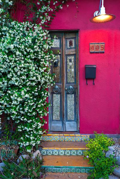 Dusk, La Puerta #405 - Barrio Historico