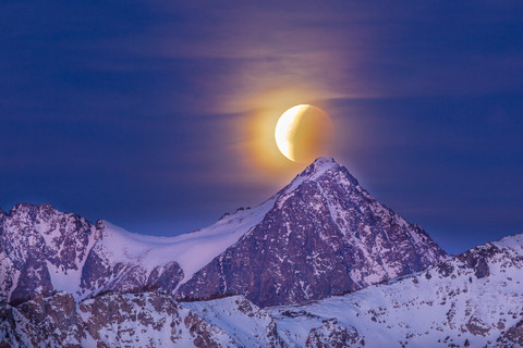 Dawn, Lunar Eclipse, Super Moon, Mount Ritter January 2018