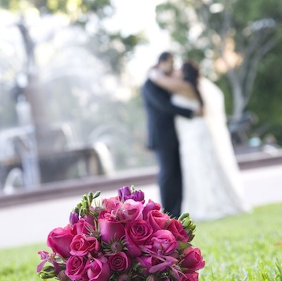 bride-groom-bouquet-hyde-park.jpg