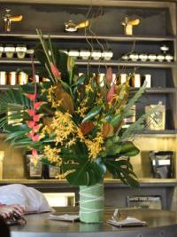 weekly-flowers-sydney-cafe.jpg