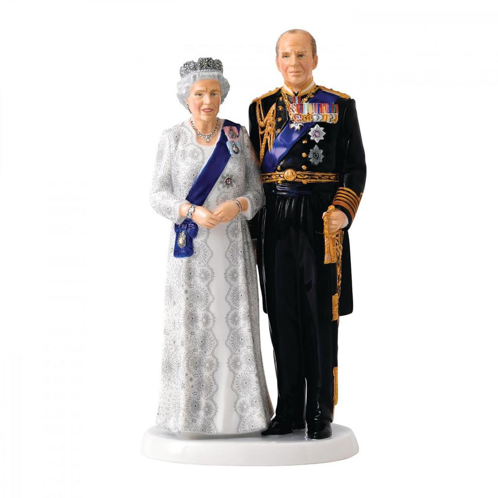 Royal Doulton Queen Elizabeth'S Platinum Wedding Anniversary 9.6 Inch Ltd 1000 MPN: 40022934 UPC: 701587307567