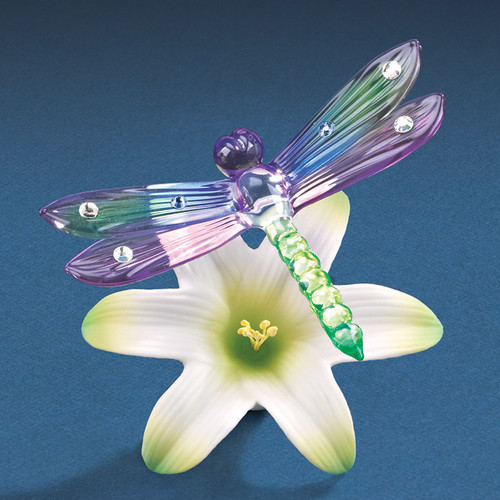 Dragonfly with a Lilly Glass Figurine GP6061