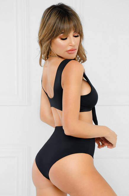 Fantasy Island Bikini Top - Black