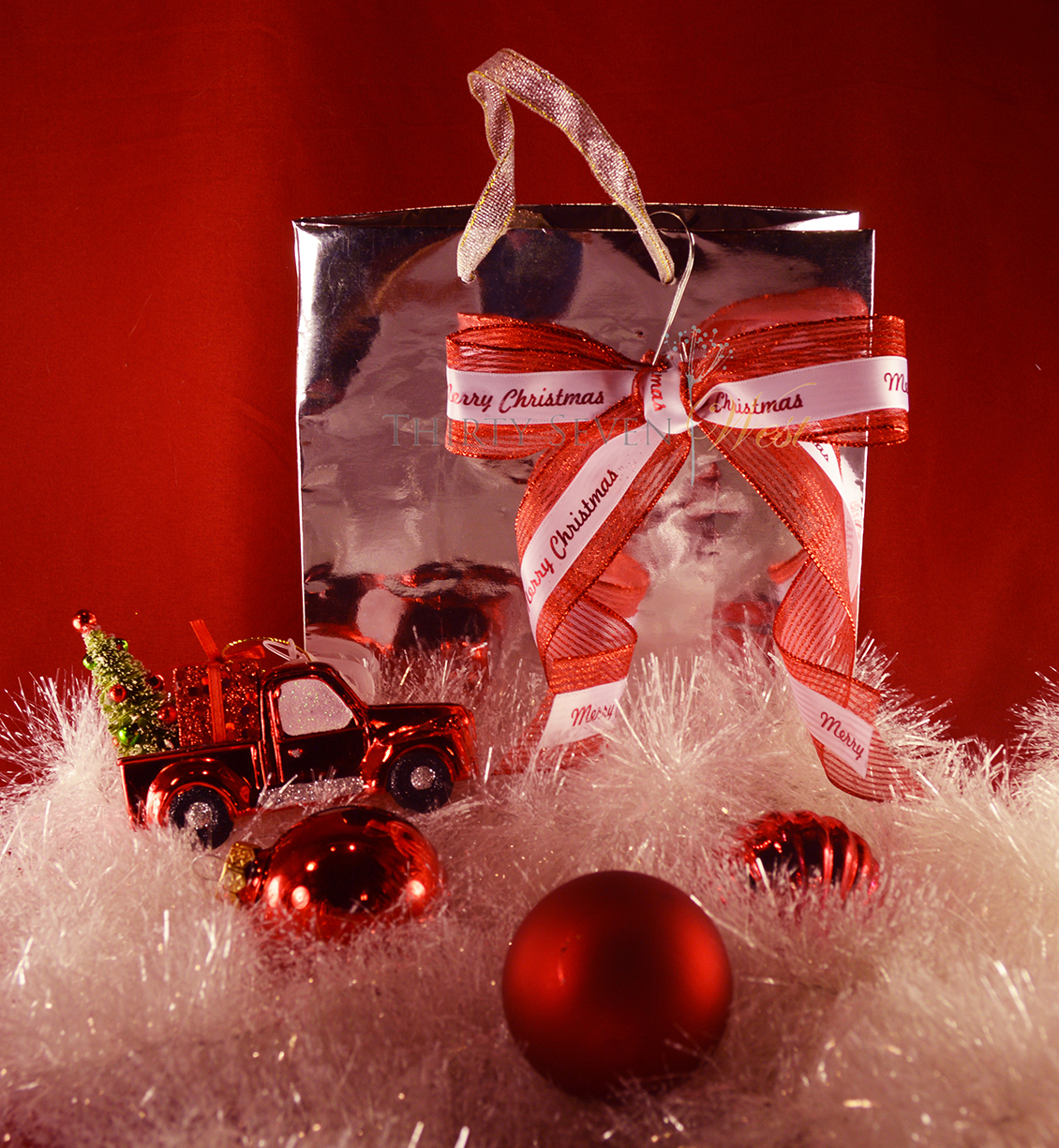 Customized printed red ribbon for Holiday Gift Wrapping Ideas