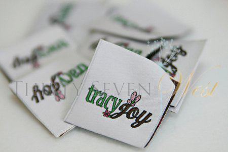 Custom Woven Fabric Tags