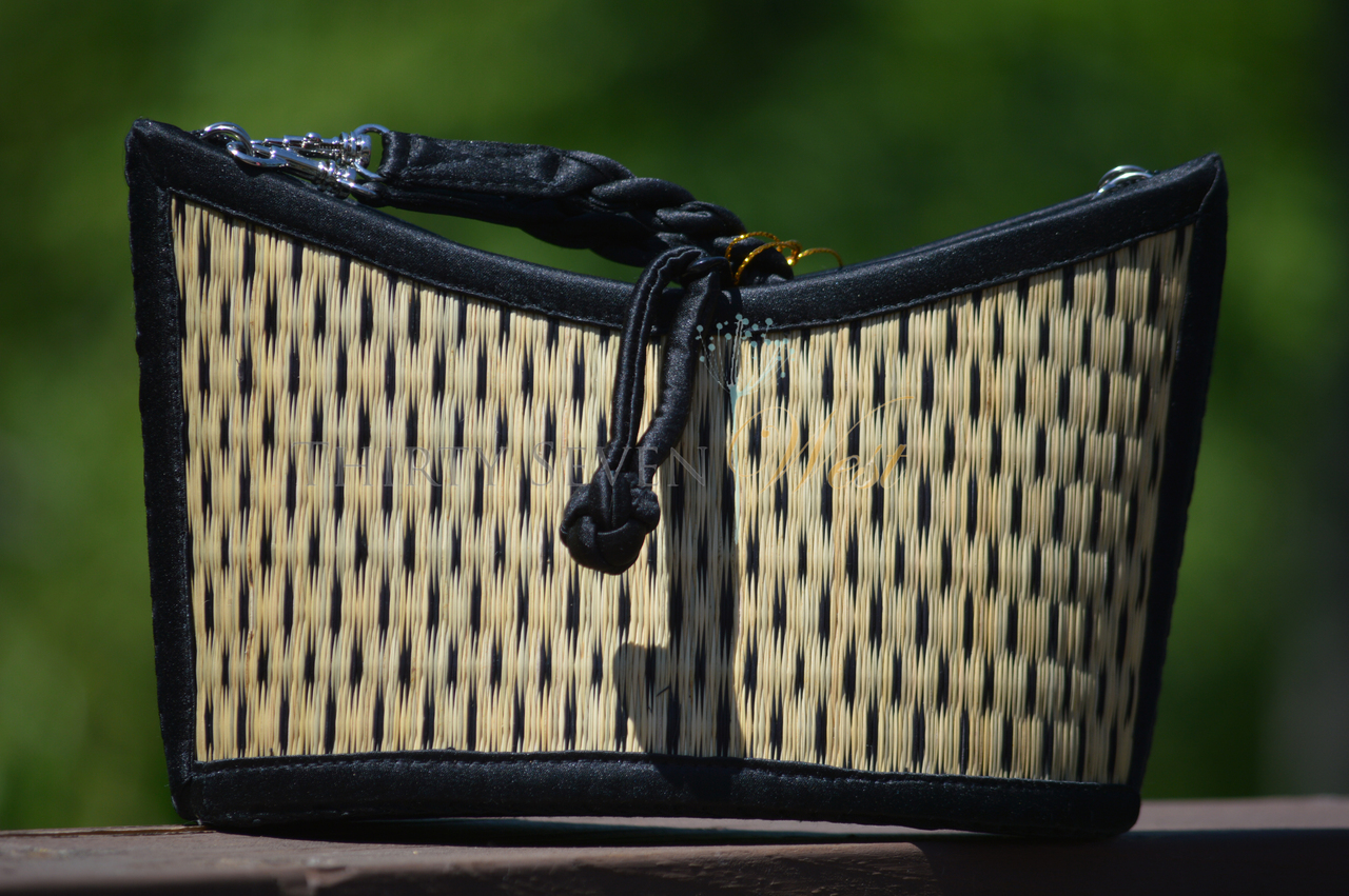 Angled Bag - Black Speckled