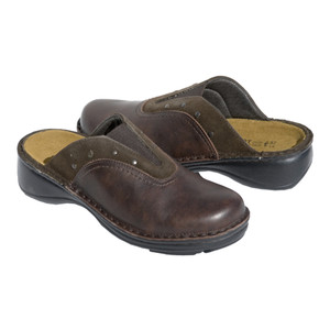 http://d3d71ba2asa5oz.cloudfront.net/42000201/images/olive_toffee.jpg | Naot Olive Clogs Toffee
