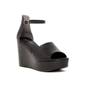Seychelles Women's Upbeat Wedge Sandal Black Leather