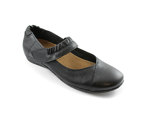 Womens Taos Black Mary Janes Strapeze