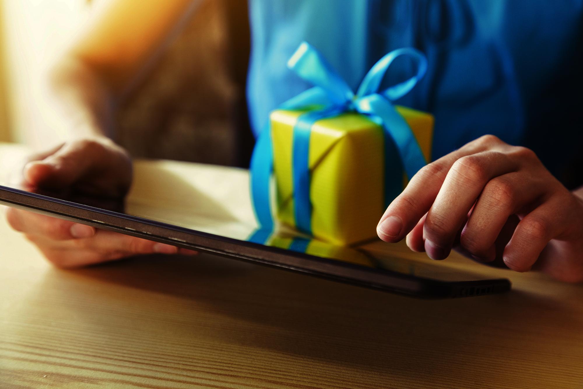 LoyLap Gift Card Design Service
