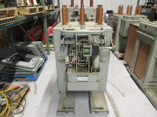 AM-13.8-250-2 GE Magne-Blast 1200A 15KV Air Circuit Breaker (Parts Breaker)