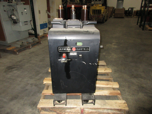 AM-2.4/4.16 100/150 GE Magne-Blast 1200A 4.76KV Air Circuit Breaker