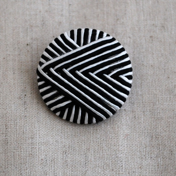 Handmade Threads Covered Button - White and Black - 3cm