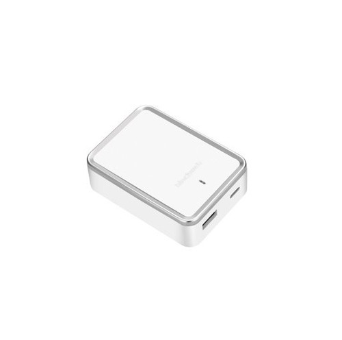 Blackweb 5.4A Dual Port Wall Charger for USB and USB C, White
