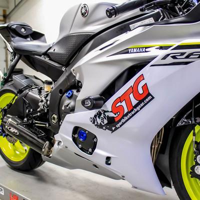 R&G Racing Yamaha R6 2017-2018 Aero Style Frame Sliders (No Cut)