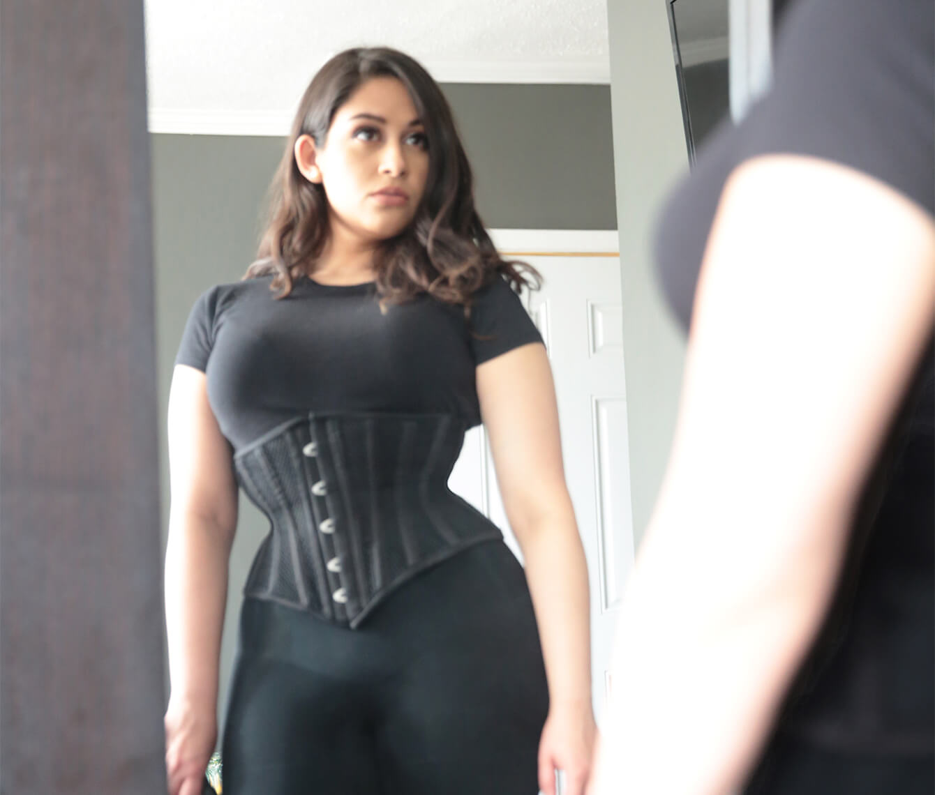 how to break in a waist trainer