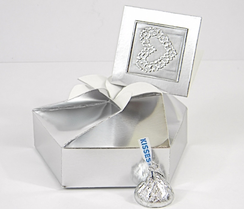 Small Petal Box shown in Silver Fpil. Tag & Foil Seal not included.