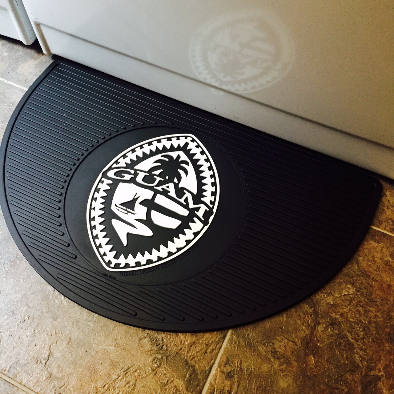 Premium All Weather Tribal Guam Seal Floor Mat 15x25 Inches