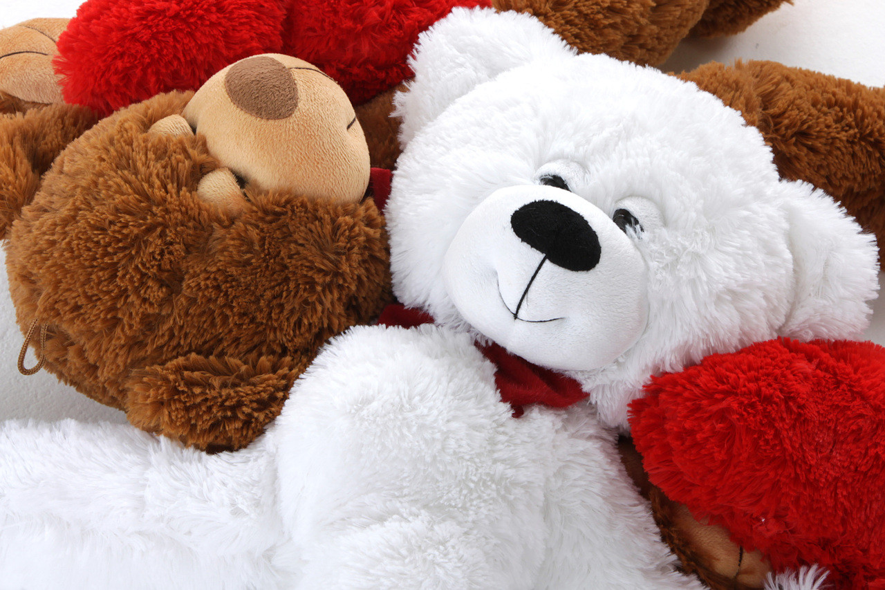Giant Teddy 2ft Mittens Valentines Teddy Bear Gift Set