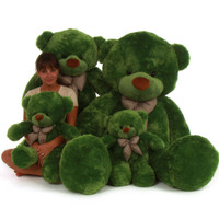 Green Lucky Cuddles Family portrait