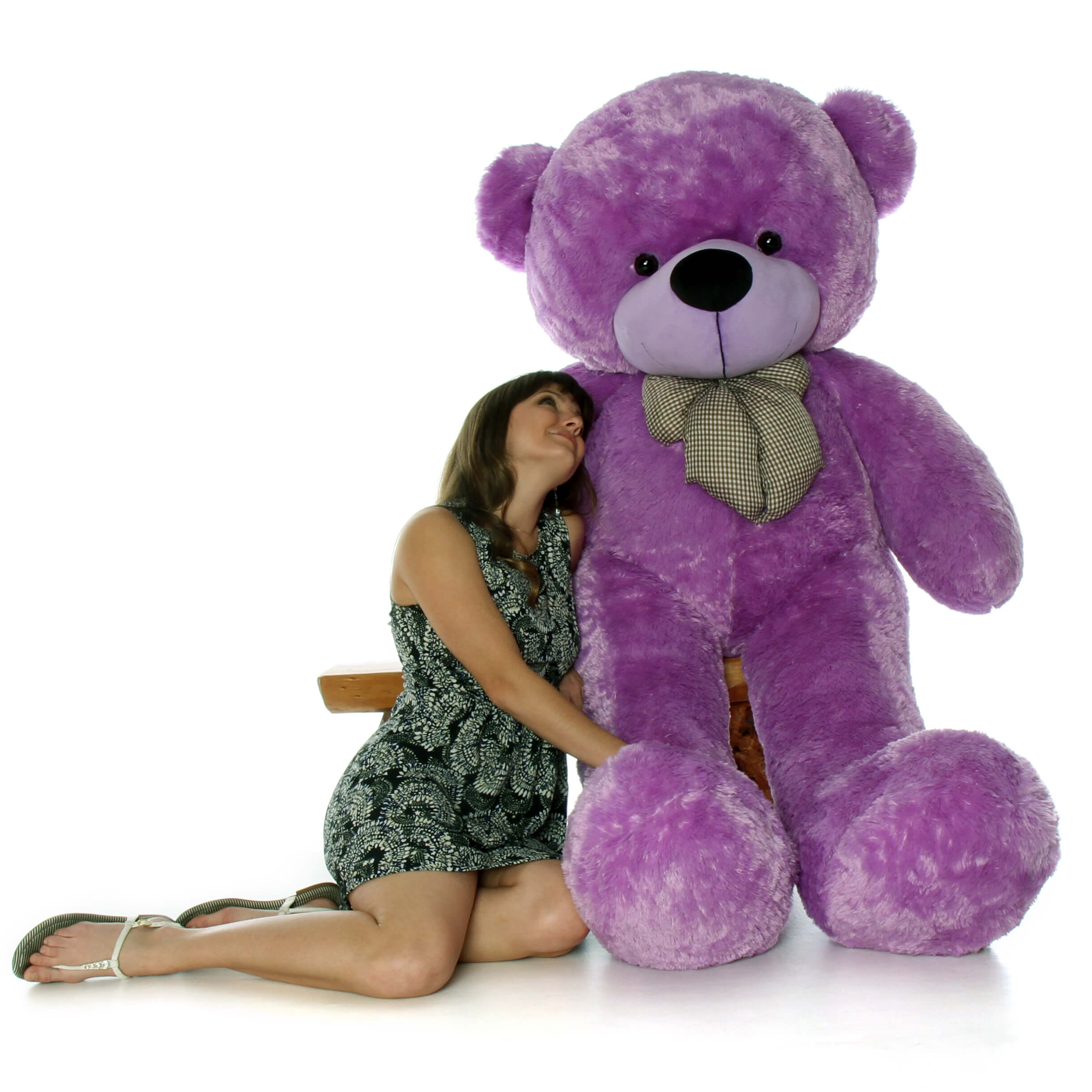 6ft-purple-life-size-teddy-deedee-cuddles-is-enormously-huge-1.jpg