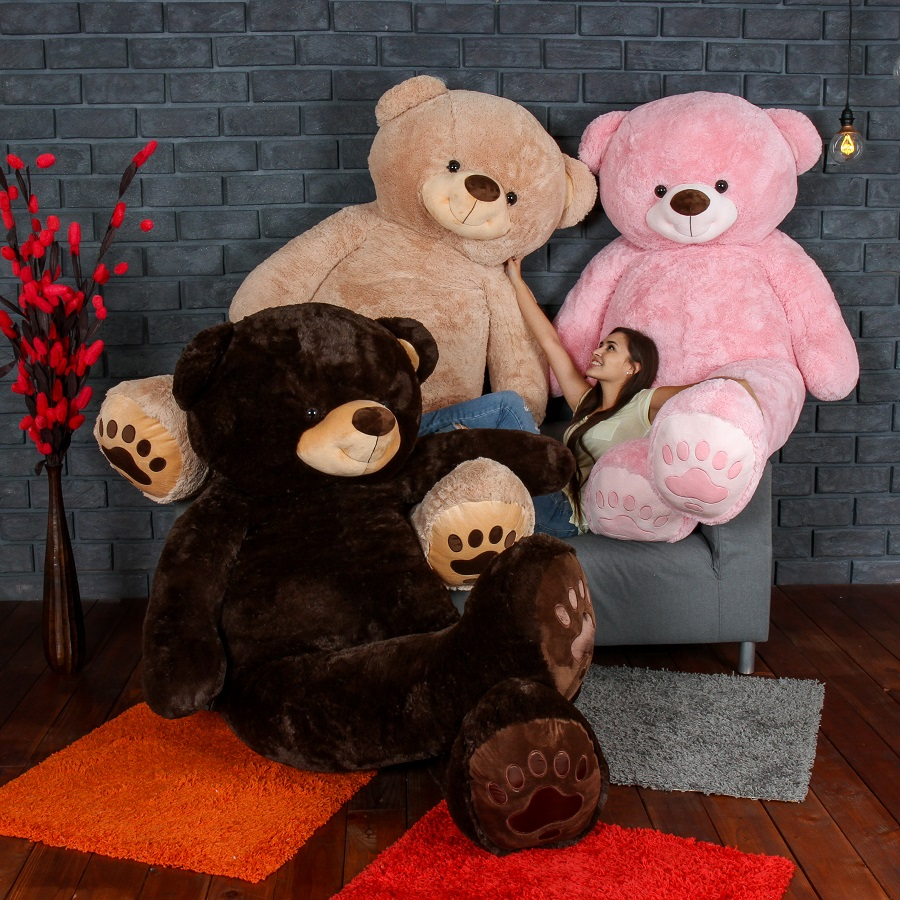 giant-teddy-biggest-teddy-bears-availible-in-3-color-choices.jpg