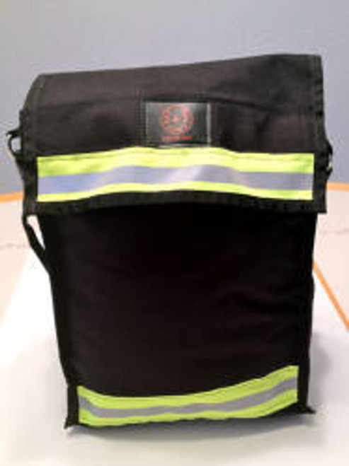Large area search and rescue bag with reflective trim