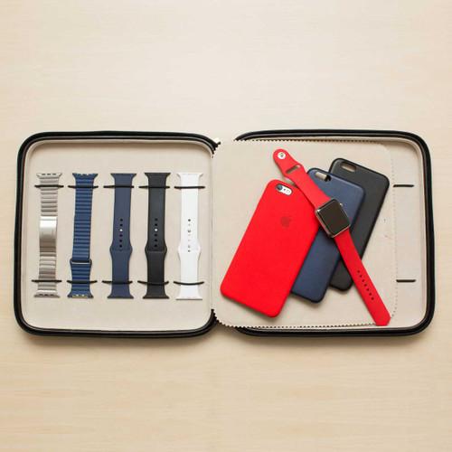Apple Watch Portfolio Watch Case in Leather | TechSwiss TS5118BLK | Photo by Tom Janz