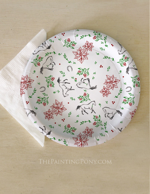 Christmas Horse Lover Holiday Floral Pattern Paper Party Plates (8 pk)