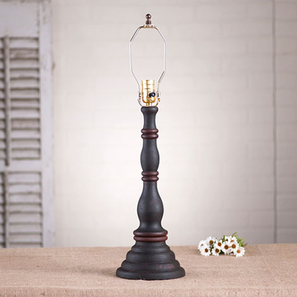 Irvin's Davenport Lamp In Hartford Black With Red Trim