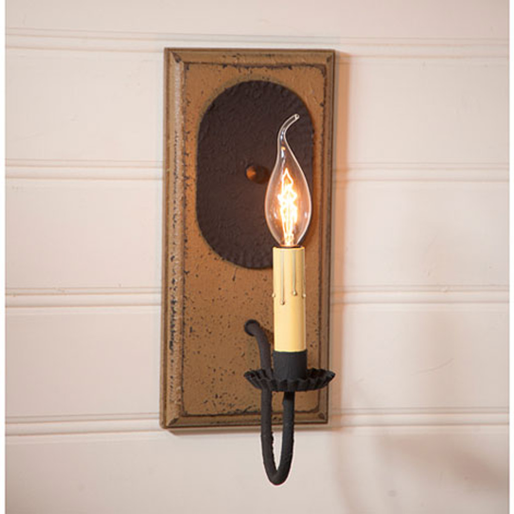 Irvin's Primitive Wilcrest Sconce In Americana Pearwood