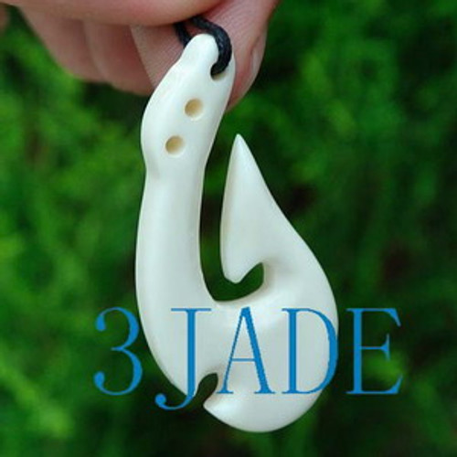 Hand Carved Bone Fish Hook Pendant New Zealand Maori Style Carving G029105