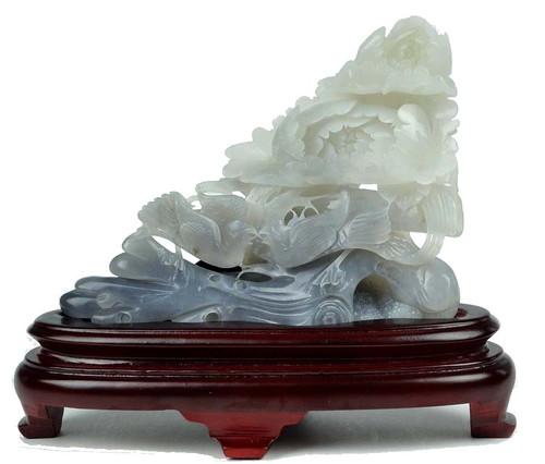 Hetian jade carving
