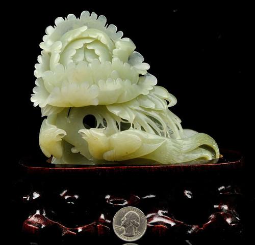 Nephrite Jade Bird Flower Statue
