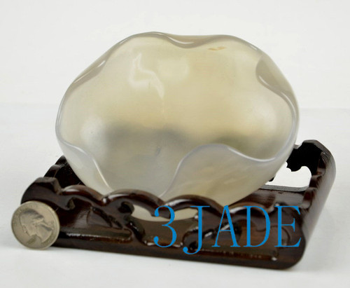 chalcedony carving