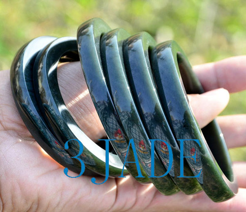 dark green nephrite jade