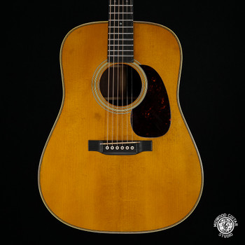 Martin D-28 Authentic 1937 Aged Dreadnought Review