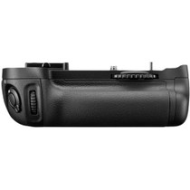 NIKON BATTERY PACK/MB-D14