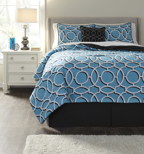 The Zinger Comforter Collection