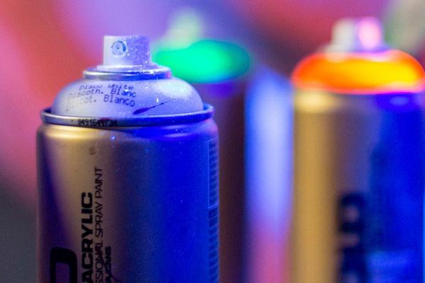 Montana GOLD Fluorescent spray paint DISCO WHITE