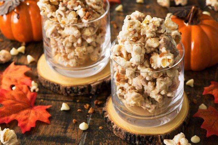 Whtie chocolate & Pumpkin pie spice popcorn bites