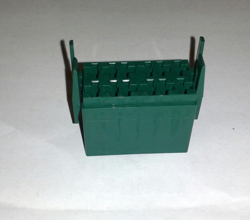 LC1-04 Carling L Series terminal housing connector, green