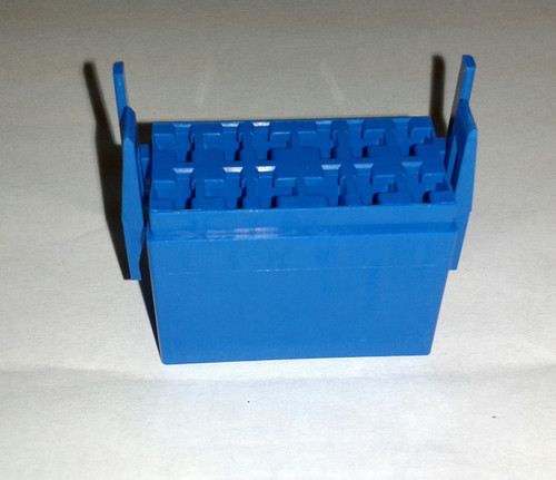 LC1-06 Carling L Series terminal housing connector, blue