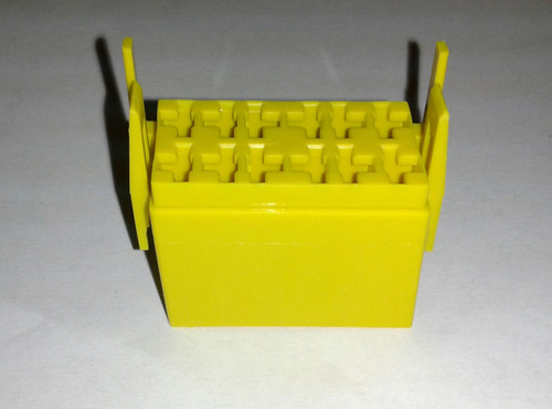 LC1-07 Carling L Series terminal housing connector, yellow