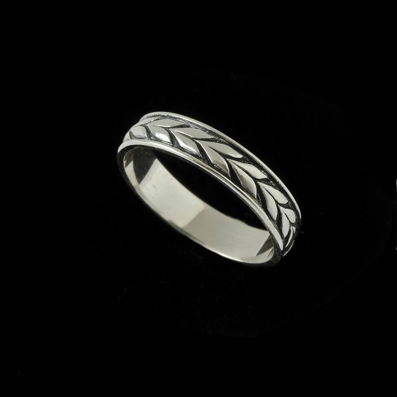 Sterling Silver engraved Laurel Leaf wedding band ring by Bowman Originals, Sarasota, 941-302-9594