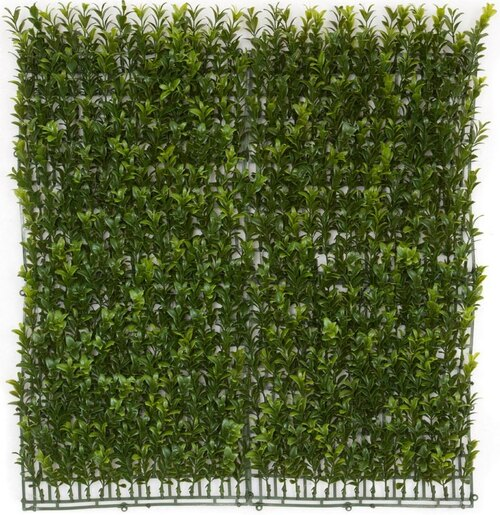 "20"" x 20"" Hanging Boxwood Wall Mat"